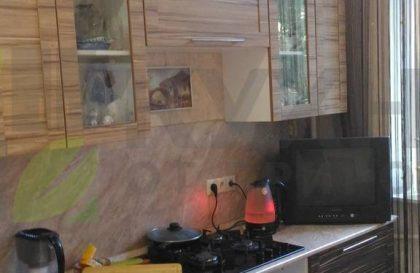Кухня с фасадами из рамочного экошпона