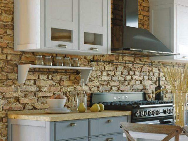 Неоклассическая кухня «Лугано» из массива ясеня