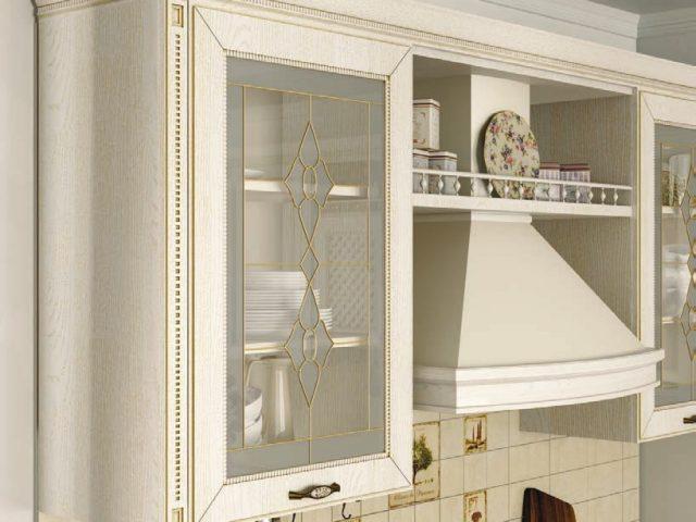 Неоклассическая кухня Глазго с фасадами из МДФ с нанесением эмали