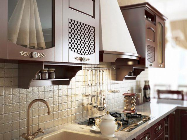 Кухня Премьера в классическом стиле с фасадами из массива дерева
