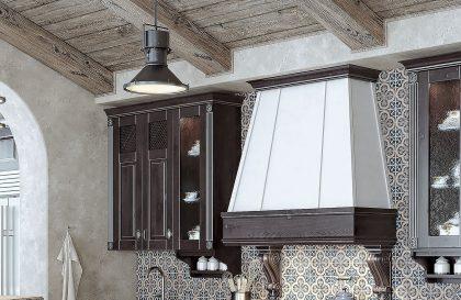 Кухня из массива дерева Анкона в стиле Неоклассика