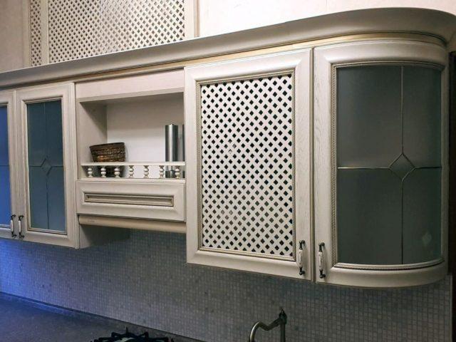 Кухня Буона Сера Флоренция в классическом стиле из массива дуба