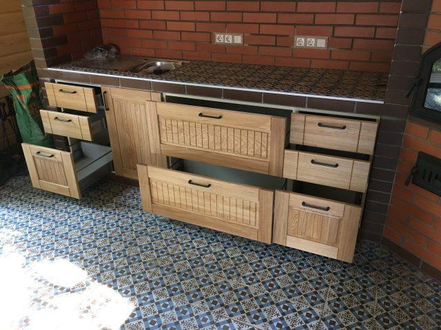 Прямая кухня Флавия с фасадами из массива