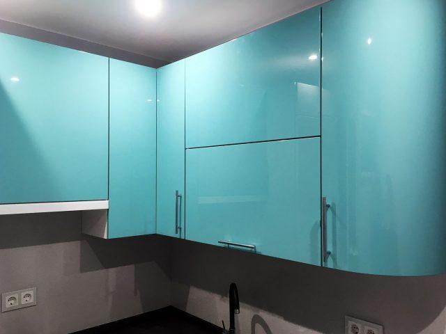 Угловая кухня Альва + Онда с МДФ-фасадами