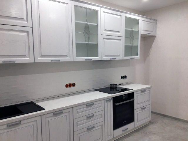 Прямая кухня Милана с фасадами из массива и МДФ