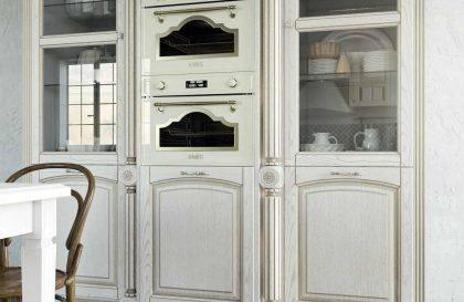 Классическая кухня Соледжо из массива дерева
