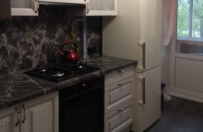 Белая кухня Милана с фасадами из массива дерева
