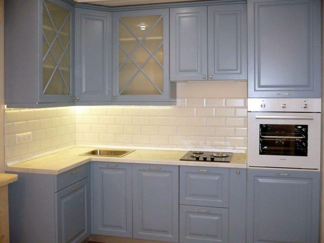 Сине-голубая неоклассическая кухня Роза с фасадами из МДФ
