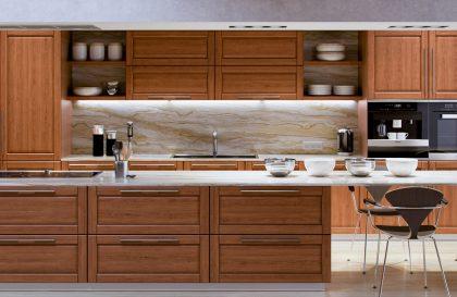 Кухня Лира с фасадами из массива дерева в современном стиле