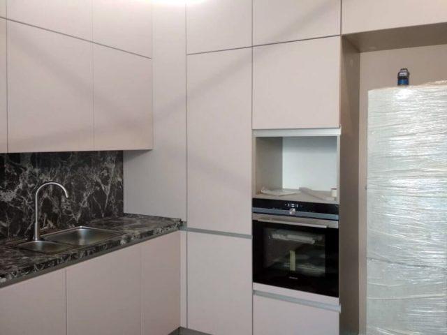 Современная кухня Гола с фасадами из МДФ